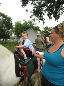 Qunice, pony and carriage rides at Plum farm 040